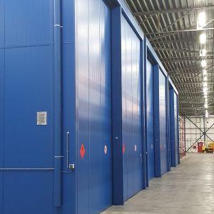 Zes brandwerende opslagcontainers voor Zep Industries B.V. uit Bergen op Zoom