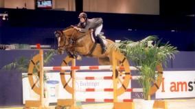 Uutje springt fantastich met Emile in Delft