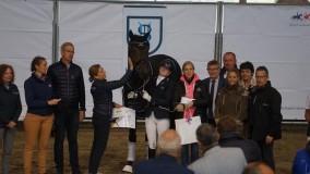 Cynthia Eggenkamp wint kampioenschap driejarigen in Frankrijk
