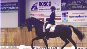 Annemarie Brouwer-Dijkstra weet met 2 paarden te winnen in Utrecht
