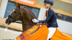 Kirsten Brouwer wint met Eye Catcher goud op het NK