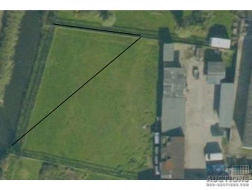 onverdeelde helft van een  perceel grond gelegen nabij Carnisseweg 54  Barendrecht