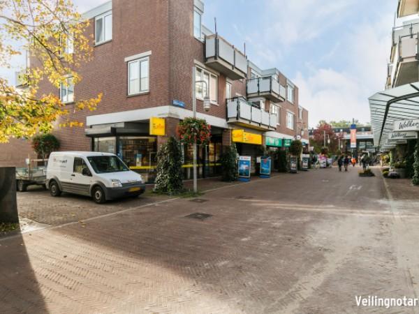 Kruisstraat 15-19, 33, 60, 66-74 en Meerstraat 6, 46, 52, 56, 90 en 96  Almere