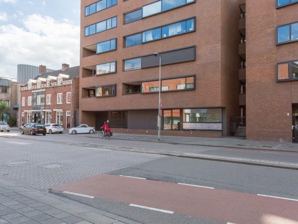 11 volautomatische parkeerplaatsen te Breda